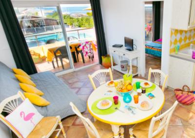 appartement-se-loger-camping-international-accueil-spinout-windsurf-almanarre-giens-hyeres-mer-france