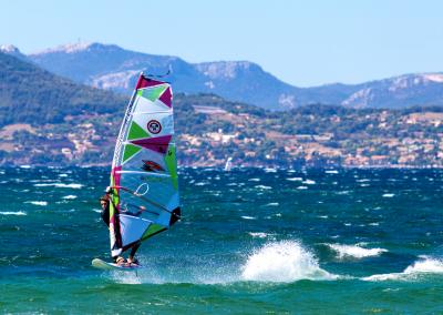 background-blog-spinout-windsurf-almanarre-giens-hyeres-mer-france