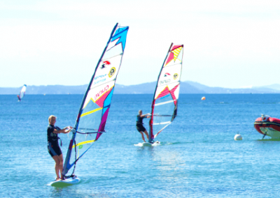 stage-windsurf-accueil-spinout-windsurf-almanarre-giens-hyeres-mer-france1-compressor